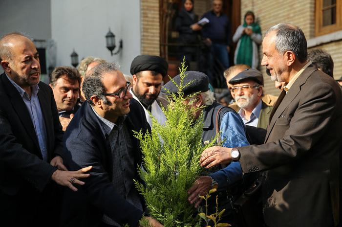 کمپین هنرمندان برای درختکاری