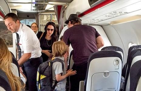 راز طلاق جنجالی/در هواپیمای خصوصی برانجلینا چه گذشت!؟ تصاویر