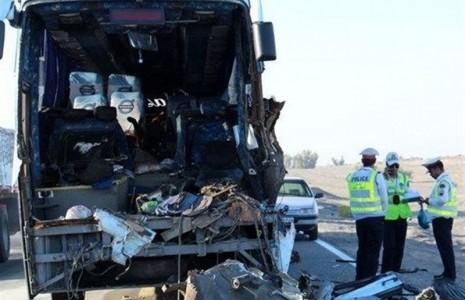 تصادف اتوبوس با خودرو تیبا در محور دشتی ۳ کشته و یک نفر مصدوم برجای گذاشت