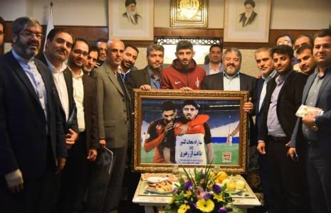 رئیس سازمان پدافند غیرعامل از بازیکن تیم فوتبال پرسپولیس تقدیر کرد.